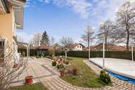 Verkauft: Großzügiges Familiendomizil mit Pool in ruhiger und idyllischer Lage – Eberfing bei Weilheim i.OB 08