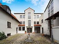 Verkauft: Großzügiges Mehrfamilienhaus mit hohem Ausbau-Potenzial – Neuburg a.d. Donau 00