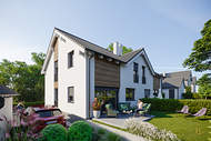 Verkauft: Stilvolle Neubau-Doppelhaushälfte in idyllischer Lage – Wielenbach/Hardt 01