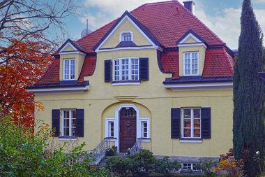 Allach: Villa Eisolzrieder Str. 1
