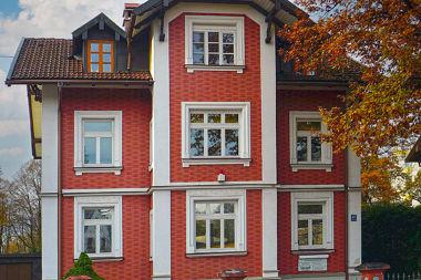 Allach: Vorstadthaus Zum Schwabenbächl 47