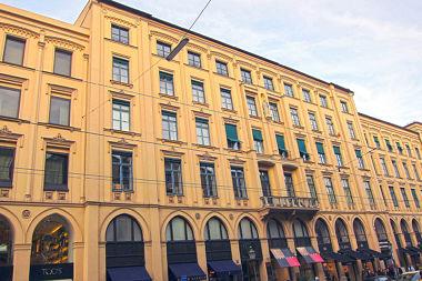 Altstadt: Wohn- und Geschäftshaus Maximilianstr. 23