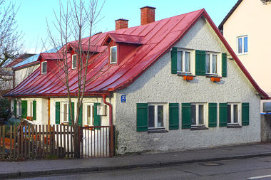 Aubing: Kleinhaus Altostr. 33