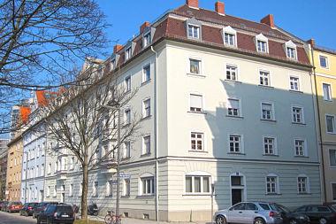 Berg am Laim: Mietshausgruppe Burggrafenstr. 1
