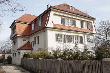 Gauting: Zweifamilienhaus Königswieser Str. 1