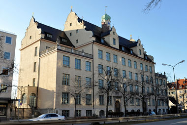Laim: Schulhaus Fürstenrieder Str. 30