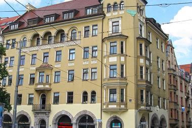 Lehel: Geschäftshaus Isartorplatz 5