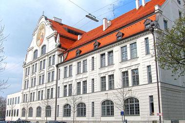 Ludwigsvorstadt: Schulhaus Stielerstr. 6