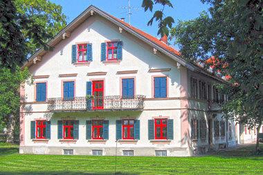 Neubiberg: Gutshof  Zwergerstr. 2