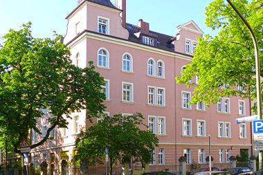Neuhausen: Mietshaus Albrechtstr. 37