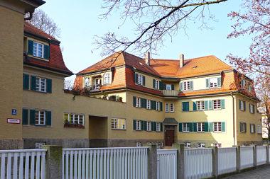 Neuhausen: Wohnanlage Nimrodstr. 1