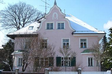 Nymphenburg: Doppelvilla Brunhildenstr. 12