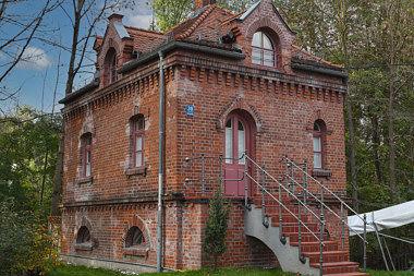 Oberföhring: Pumpenhaus: St. Emmeram 39