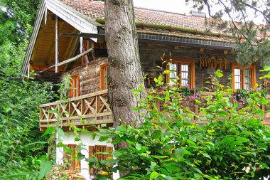 Oberhaching: Wohnhaus Bachweg 3