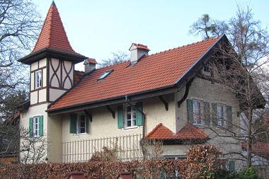 Obermenzing: Fachwerkvilla Flossmannstr. 27