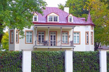 Obermenzing: Landhaus Grandlstr. 68