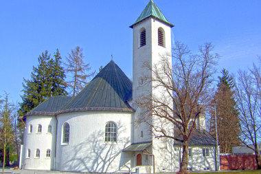 Ottobrunn: Pfarrkiche Friedenstr. 17