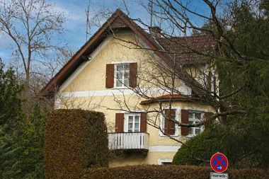 Ottobrunn: Villa Prinz-Otto-Str. 20