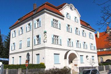 Pasing: Pfarrhaus Bäckerstr. 19