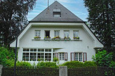 Planegg: Einfamilienhaus Karlstr. 17