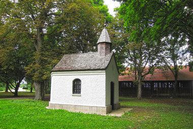 Poing: Hofkapelle Gutshof 4