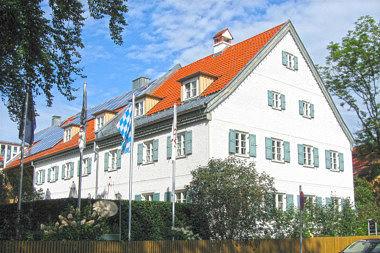 Pullach: Bauernhaus Habenschadenstr. 4
