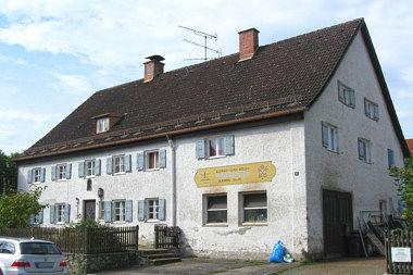 Pullach: Wohnhaus Habenschadenstr. 8
