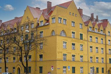 Ramersdorf: Mietshausanlage Rosenheimer Str. 214