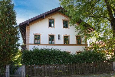 Riem: Bauernhaus Martin-Empl-Ring 14