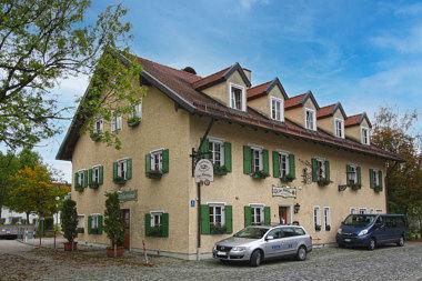 Riem: Bauernhaus Martin-Empl-Ring 8