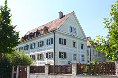 Schwabing-Freimann: Schulhaus Situlistr. 1