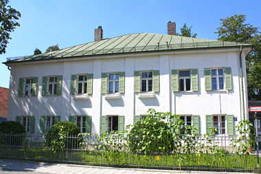 Schwabing-Freimann: Villa Situlistr. 75