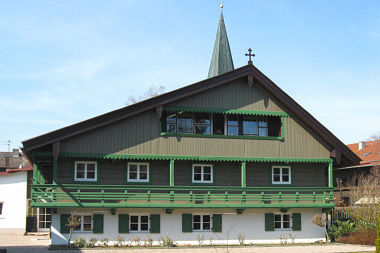 Taufkirchen: Bauernhaus Ritter-Hilprand-Str. 1