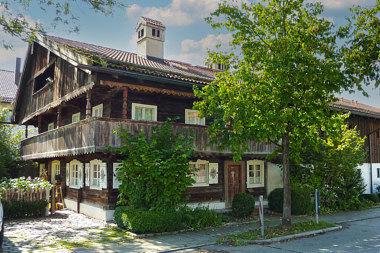 Taufkirchen: Wohnstallhaus Hohenbrunner Weg 20