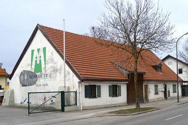 Trudering: Bauernhaus Emplstr. 5