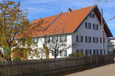 Untermenzing: Bauernhaus Willstätterstr. 17