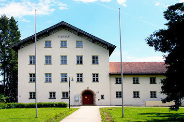Waldtrudering: Schulhaus Turnerstr. 46